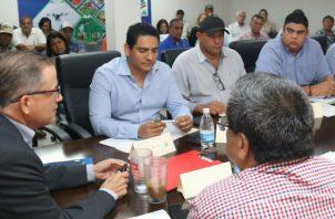 En la reunión se informó que existen sembradas unas 19,079 hectáreas de maíz mecanizado, de las 20,435 programadas.