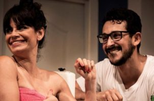 Yarelí Cartín y Jirac Caro en  una escena de 'Vecinos'. Instagram