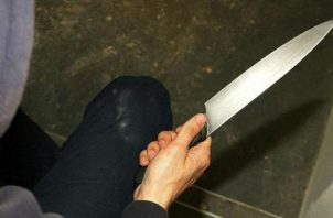 Los delincuentes que atacaron a la adulta mayor estaban vestidos de negro y encapuchados con pasamontañas. Foto Ilustrativa