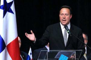 El expresidente Juan Carlos Varela pidió respeto al abogado que le gritó corrupto en un restaurante de la capital. Foto: Panamá América.