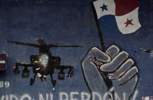 Vista de un mural conmemorativo a la invasión de los Estados Unidos al barrio del Chorrillo el 20 de diciembre de 1989. FOTO/EFE