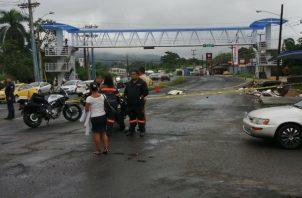 Fue atropellado por un bus de la ruta Colón-Buena Vista. Foto: Diómedes Sánchez S.