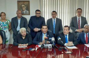 Conferencia de prensa del Colegio Nacional de Abogados. Foto/ Víctor Arosemena