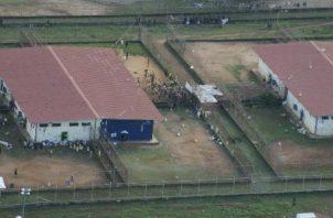 De acuerdo con estadísticas oficiales, en la cárcel La Joyita hay 3,733 presos y una sobrepoblación de 896 personas.