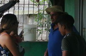 Gilberto Moreno de 45 años, Moreno estuvo expuesto a las inclemencias del mar durante unas 16 horas. Foto/Diómedes Sánchez