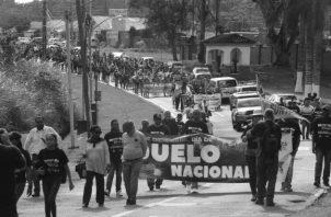 Protesta en los predios de la embajada de Estados Unidos en Panamá el pasado 20 de diciembre, 30 años después de la invasión de tropas estadounidenses al país. Foto: EFE