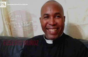 El reconocido sacerdote Eusebio Muñoz habla de fútbol. Foto/MLasso