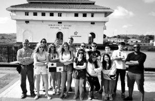 Selecto grupo de estudiantes de la Universidad de Nebraska, que en enero de 2019, visitaron el Canal de Panamá y el Fuerte San Lorenzo en Colón. Foto: Cortesía del autor.