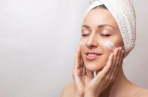 Las vitaminas E y C  brindan protección a la piel. Pixabay