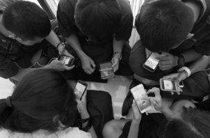 Las experiencias de juego mejoran la competencia social en los niños. Algunos investigadores proponen que los juegos permiten a los niños interactuar con experiencias sociales y simular consecuencias emocionales alternativas. Foto: Archivo.