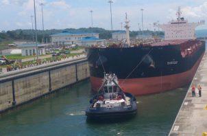El Canal de Panamá se alimenta de los lagos artificiales Gatún y Alajuela.