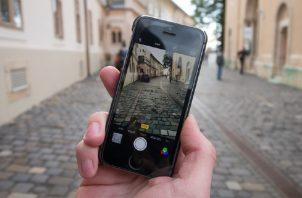 Viajeros, usuarios tecnológicos expuestos a vulnerabilidades.  Foto: Pixabay
