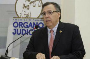 Luis Ramón Fábrega reemplaza a Hernán De León que estaba como presidente interino. Foto: Corte Suprema de Justicia.