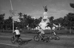 Sudando los excesos de opíparos festines decembrinos. Foto: Víctor Arosemena. Epasa.