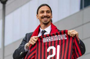 Zlatan Ibrahimovic con la camiseta del Milan. Foto AP