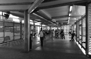 En la estación de MiBus de la Zona Paga 5 Mayo, la limpieza y el servicio han mejorado. Han colocado nuevos rótulos con la información de los buses. Foto: Cortesía de la autora.