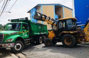 La Autoridad de Aseo alquilará 66 volquetes y 27 excavadoras. Foto: Archivo