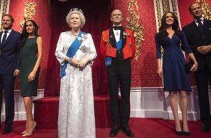 Familia Real en el Museo de Cera de Londres. Foto: @elgordoylaflaca
