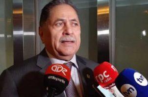 Roberto Ábrego es presidente de la Comisión de Credenciales.