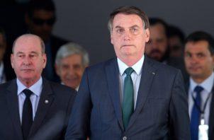 Jair Bolsonaro ha sufrido múltiples quebrantos de salud desde antes de llegar al cargo. Foto: AP Photo/Eraldo Peres