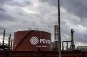 Estados Unidos y Venezuela son exportadores de petróleo. EFE