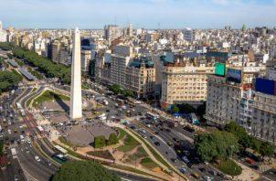 La crisis económica que atraviesa Argentina ha deteriorado el poder adquisitivo de los salarios del personal del sector público. Foto: Cortesía.