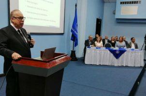 Enrique Lau Cortes, director de la Caja de Seguro Social (CSS).