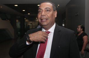 Javier Sucre, diputado del Partido Revolucionario Democrático. Víctor Arosemena