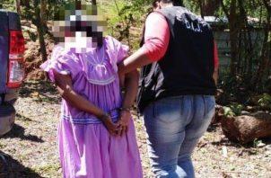 La señora Andrea Avilés de 45 años, se le imputó el delito de homicidio agravado en contra de quién fuese su pareja José Domingo Valdez de 35 años. Foto/ Mayra Madrid