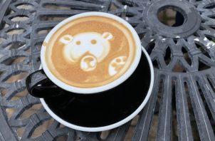 Barismo, un arte que demanda responsabilidad, creatividad y rapidez. En el Panama Coffee Festival se enfrentarán 13 baristas el 17 y 18 de enero. Foto Pixabay.