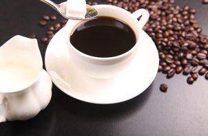 Detrás de esta deliciosa taza de café hay un trabajo de algún dedicado barista. En el Panama Coffee Festival, en el American Trade Hotel el viernes 17 y sábado 18 podrán ver cómo preparan café los baristas.Foto: Pixabay