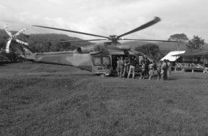 Momentos en que los heridos son rescatados por las autoridades, en el poblado El Terrón en la comarca Ngäbe Buglé. Foto: Archivo. Epasa.