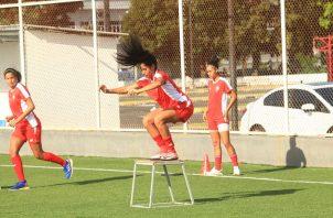 Rebeca Espinosa en los entrenamientos de la selección. Foto:Anayansi Gamez