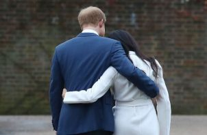 Enrique y su esposa, Meghan Markle, no usarán más sus títulos monárquicos. Foto: EFE