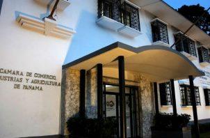 La Cámara de Comercio insta al cumplimiento de las responsabilidades de la empresa privada para con la CSS.