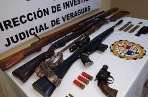 El jefe de la Policía de Veraguas, no precisó si los dos compañeros mayores de edad eran o no familiares del occiso. Foto/Melquiades Vásquez