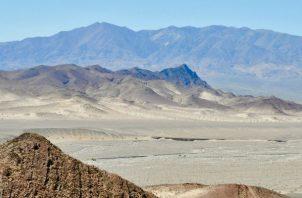Rocas ricas en hierro en el Valle de la Muerte en California se formaron en el océano durante la Glaciación Global. Foto / Maxwell A. Lechte.