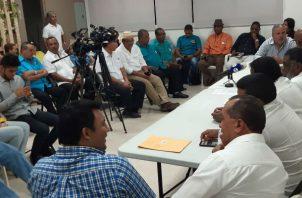 Los transportistas convocaron una conferencia de prensa. Foto/ Francisco Paz
