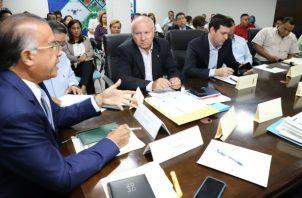 Augusto Valderrama, ministro de Desarrollo Agropecuario,  reiteró el apoyo del Gobierno Nacional a los productores y elogió el desempeño de la cadena de arroz.