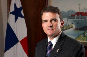 Raúl Delvalle fungió como presidente de la Cámara de Comercio, Industrias y Agricultura de Panamá en el período 2003-2005.