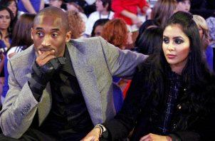 Kobe Bryant junto a su esposa Vanessa Foto EFE