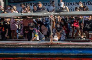 En Tailandia se mantienen fuertes medidas sanitarias contra el coronavirus. FOTO/AP
