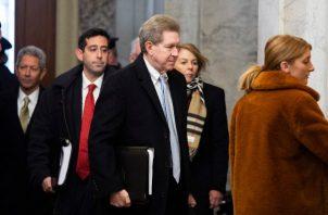 Los senadores republicanos enfrentan un momento crucial al reanudarse el juicio contra Donald Trump.  Foto/AP