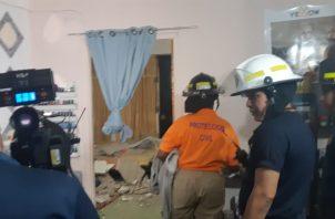 Unidades del Sinaproc y el Cuerpo de Bomberos evalúan la estructura.