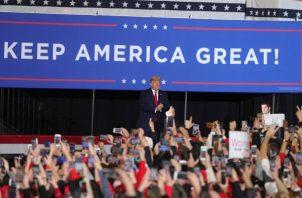 """Donald Trump, durante un evento de masas en Nueva Jersey,se comprometió  detener a la """"izquierda radical"""" y mantener la bonanza económica.  FOTO/AP"""