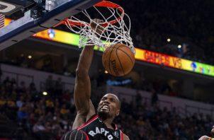 Serge Ibaka ganó un campeonato de la NBA con los Raptors de Toronto el año pasado, y dice querer más. Foto / Doug Mcschooler/Associated Press.