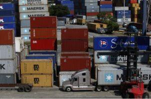 Según los transportistas, las navieras están ejerciendo una actividad que no les compete. Archivo