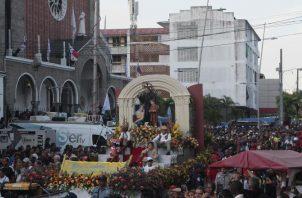 Masiva,   estuvo la procesión de san Juan Bosco.
