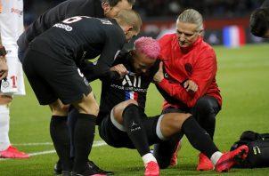 Neymar sufrió una lesión en el partido contra  Montpellier.  Foto:AP