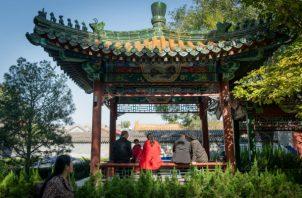 Cuatro de cada cinco viudos y viudas volverían a casarse. Un punto de reunión en el Parque Changpuhe en Beijing. Foto / Yan Cong para The New York Times.